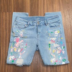 NY&Co soho boyfriend jeans with paint slashes